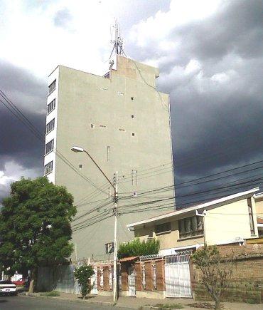 Hay una torre pero donde está el aterramiento