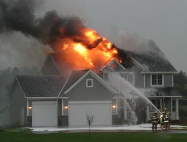 Incendio causado por un Rayo